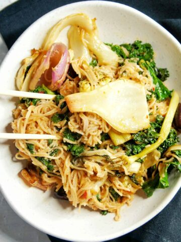 Kale and Fennel Vegan Noodles | Sweet Caramel Sunday