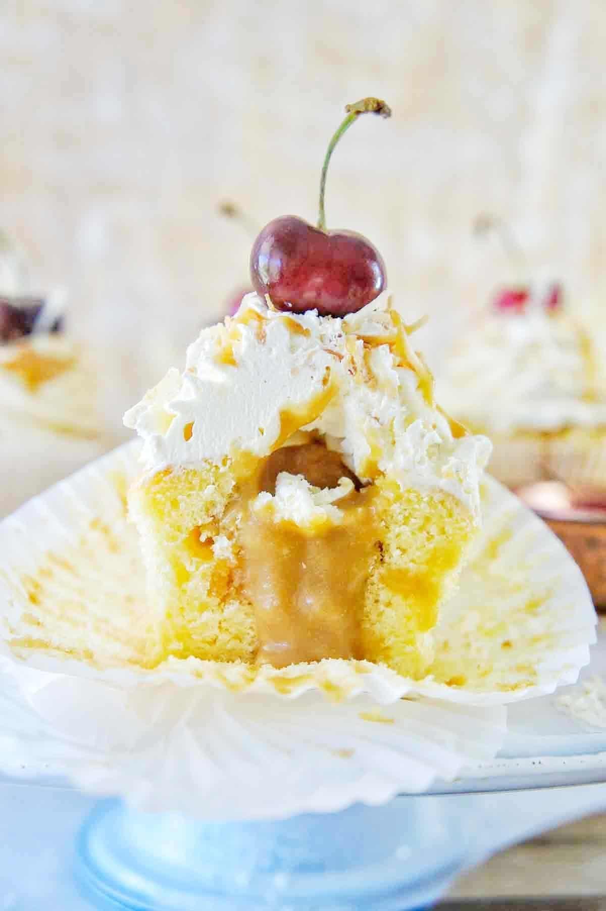Mistletoe Cupcakes 18 | Sweet Caramel Sunday