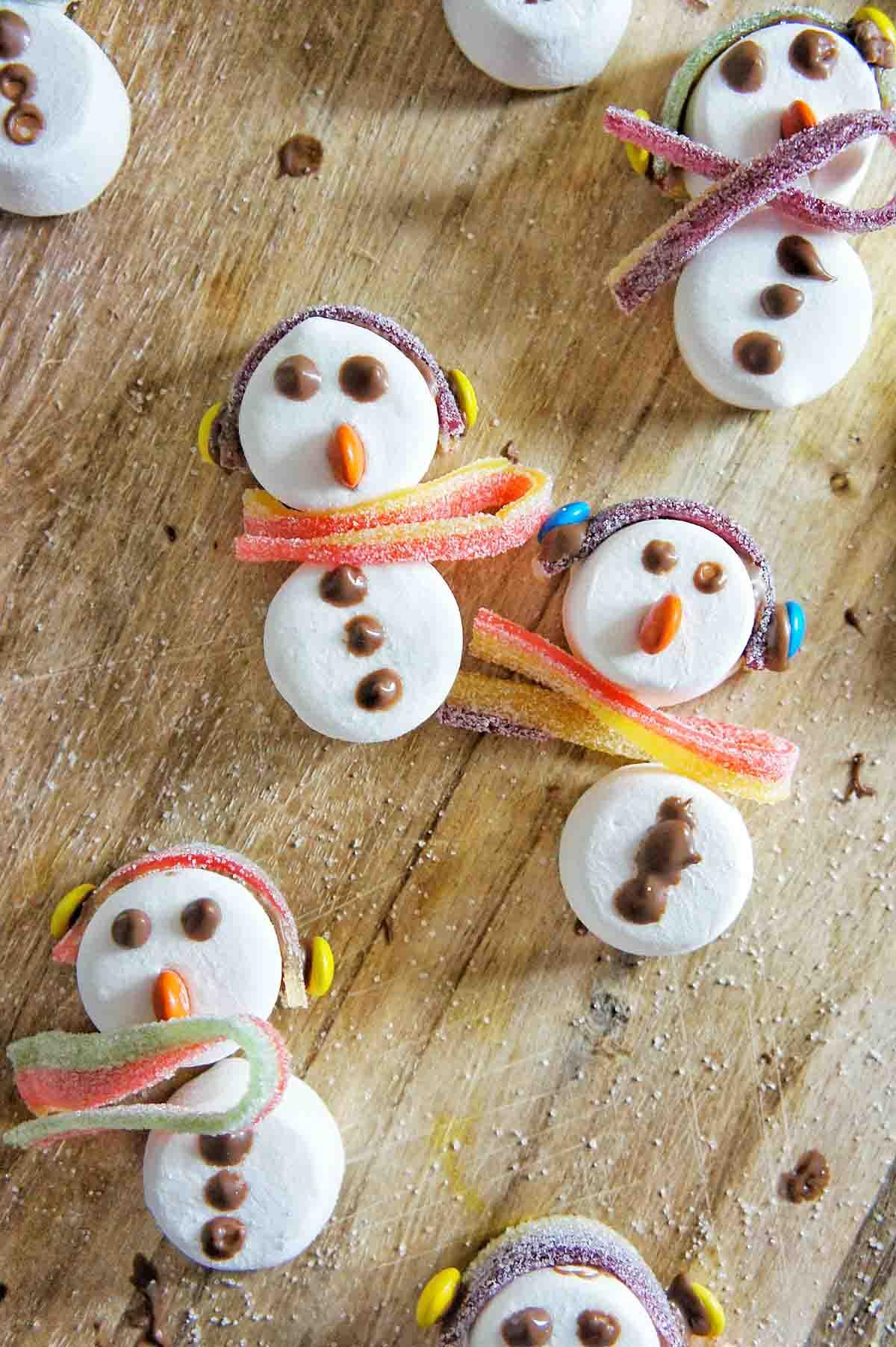 Snowman Chocolate Bark 4 | Sweet Caramel Sunday