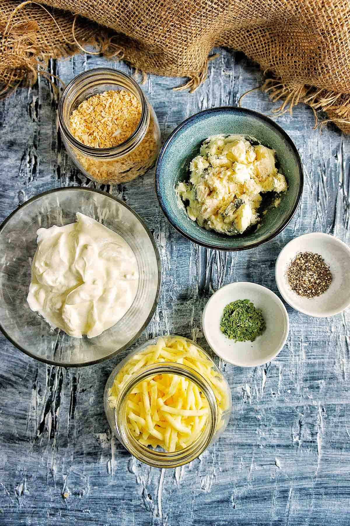 Blue Cheese Mac and Cheese sauce ingredients